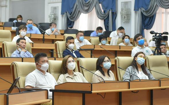 Киргизских волонтеров заметили из Нью-Йорка
